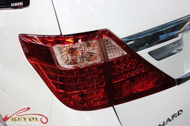 Toyota Alphard (11)
