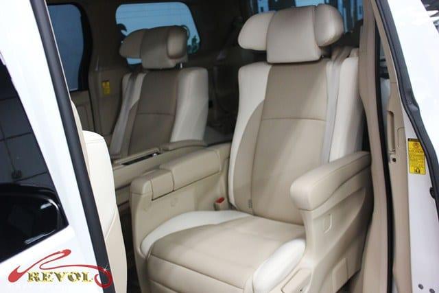Toyota Alphard (7)