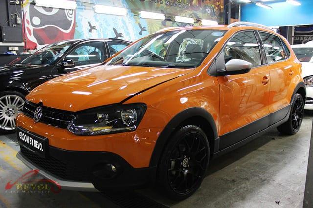 Volkswagen CrossPolo - side profile