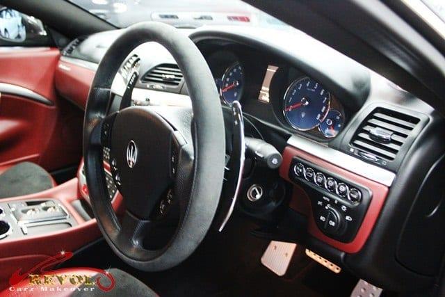 Maserati GranTurismo Cambiocorsa S - steering wheel