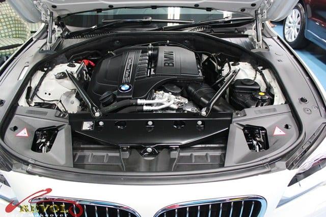 BMW7 03