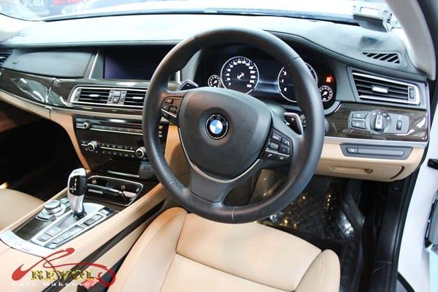 BMW7 04