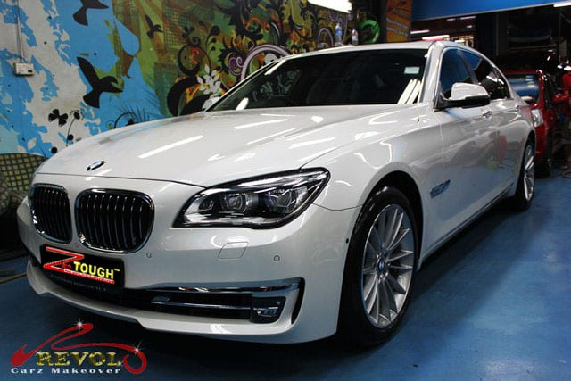 BMW7 01