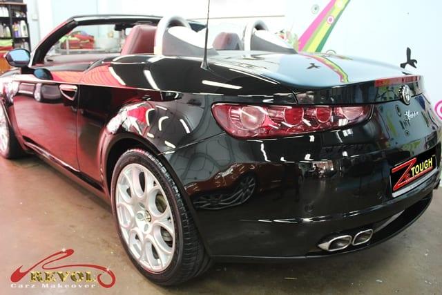 Alfa Romeo Spider 12