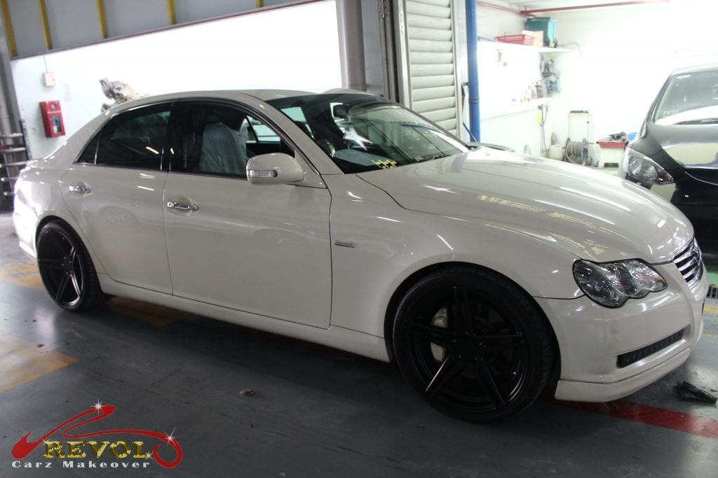 toyota mark x special version spray painting with zetough. Black Bedroom Furniture Sets. Home Design Ideas