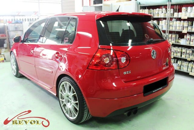 volkswagen gti makeover spray painting with zetough glass. Black Bedroom Furniture Sets. Home Design Ideas