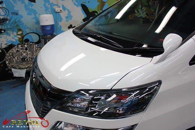 Toyota Vellfire (2)