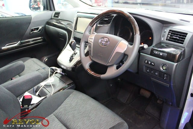 Toyota Vellfire (6)