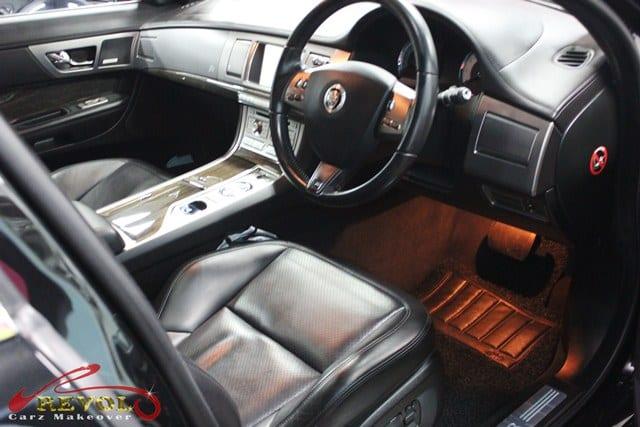 Jaguar XFR (6)