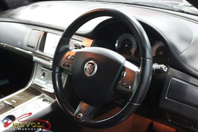 Jaguar XFR (7)
