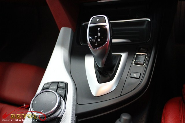 BMW 428i Coupe - console