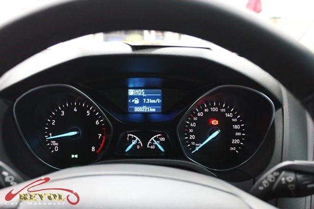 Ford Focus (8)