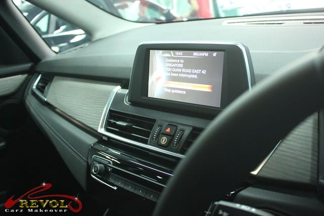 BMW 216D - control display