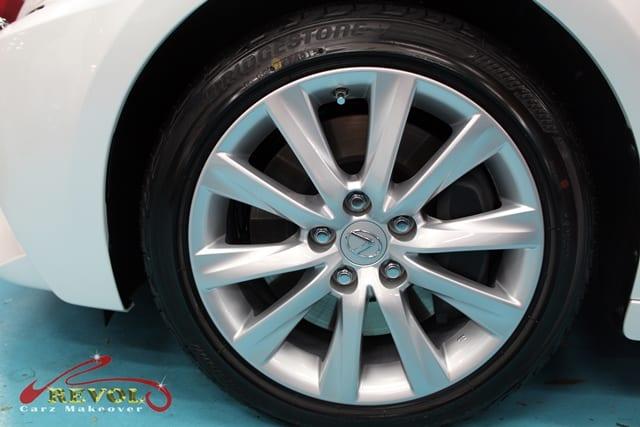 Lexus IS200 - wheels