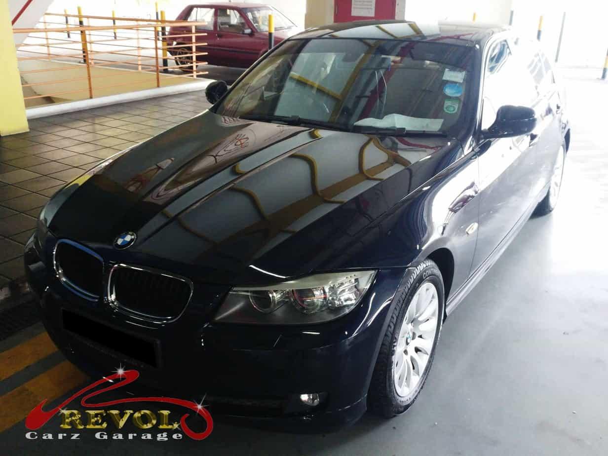 A BMW 320i