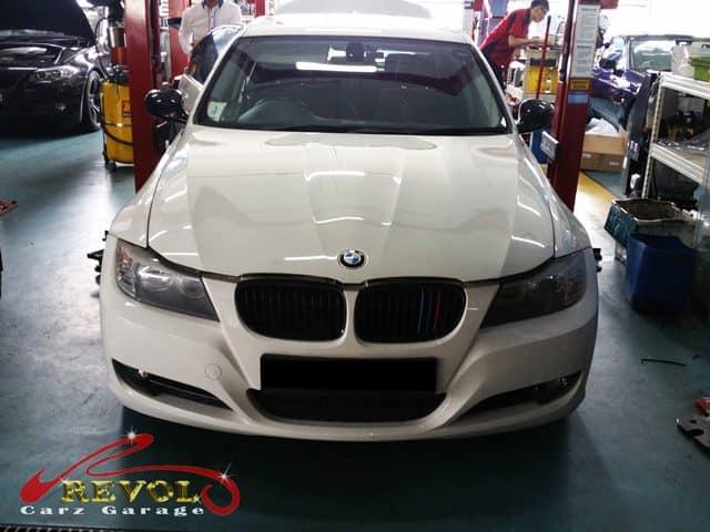 A BMW 318I arrived
