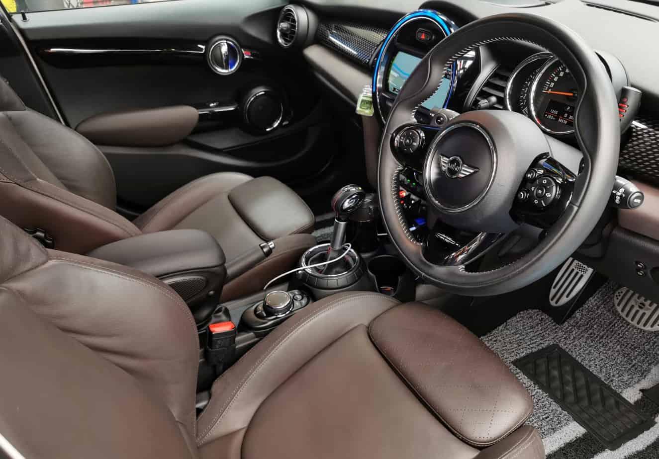 A Mini Cooper S - interior