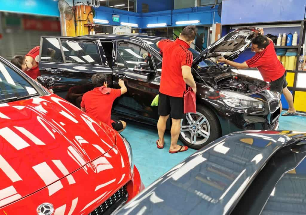 Get that Lasting Gloss For Your Car With Paint Protection