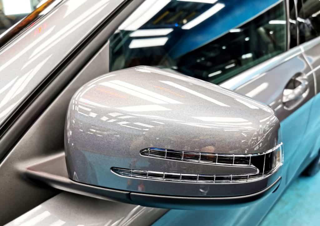 gorgeous Mercedes Benz GLA180 - sidemirror