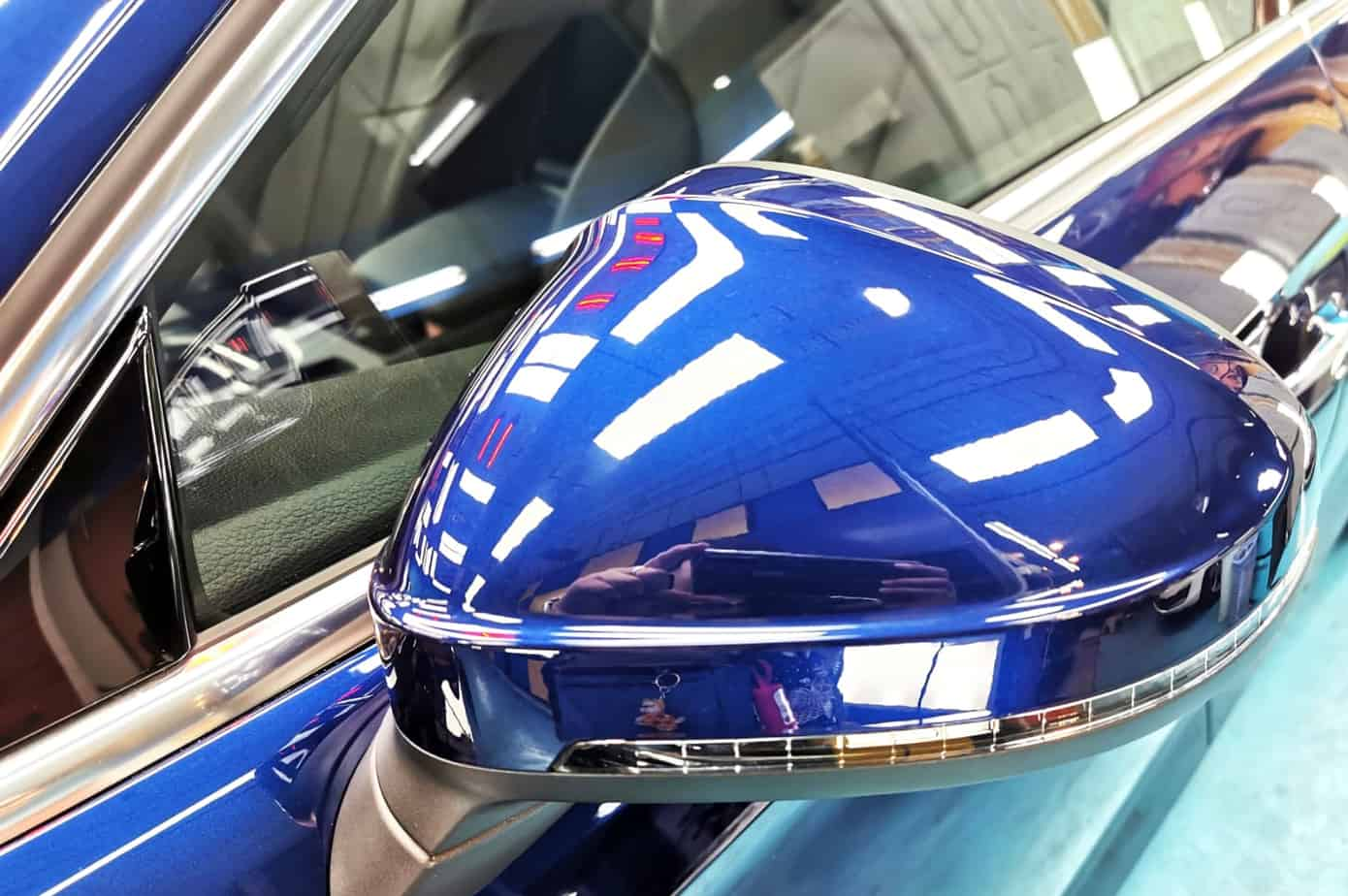 Stunning Blue Audi A5 - side mirror