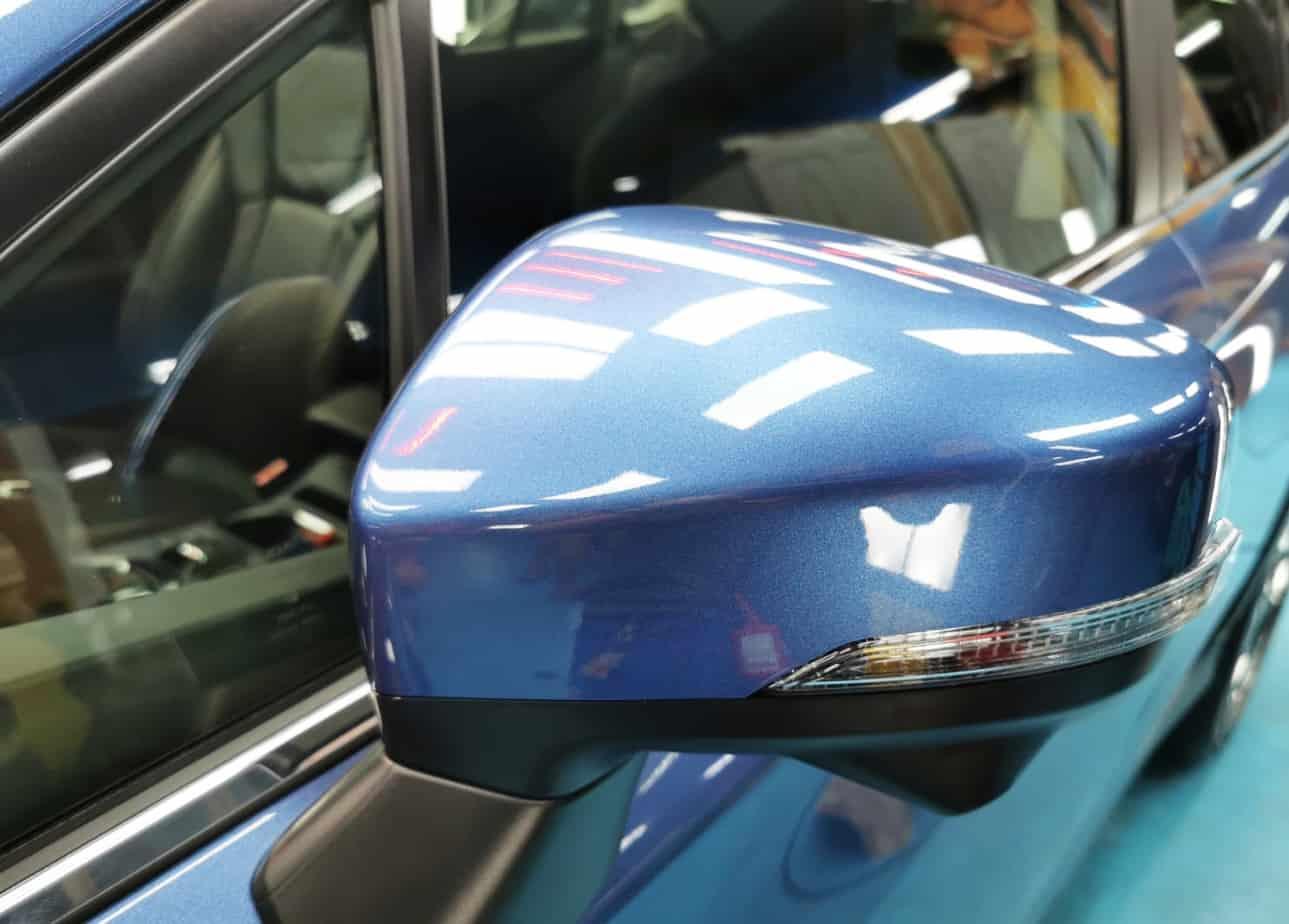 Hunky Subaru XV - side mirror