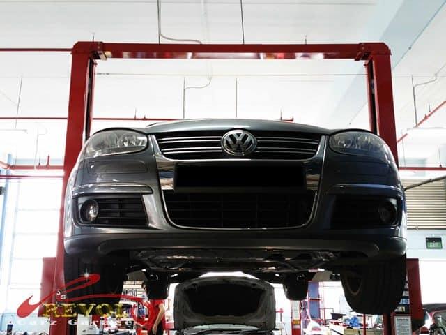 VW Case Study 9: Volkswagen Jetta driveshaft replaced
