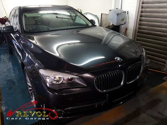 BMW 750i Saloon complimentary car wash and vacuum done