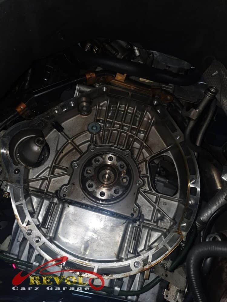 Mercedes-Benz CS 7: C180 With Engine Oil Leak Traces