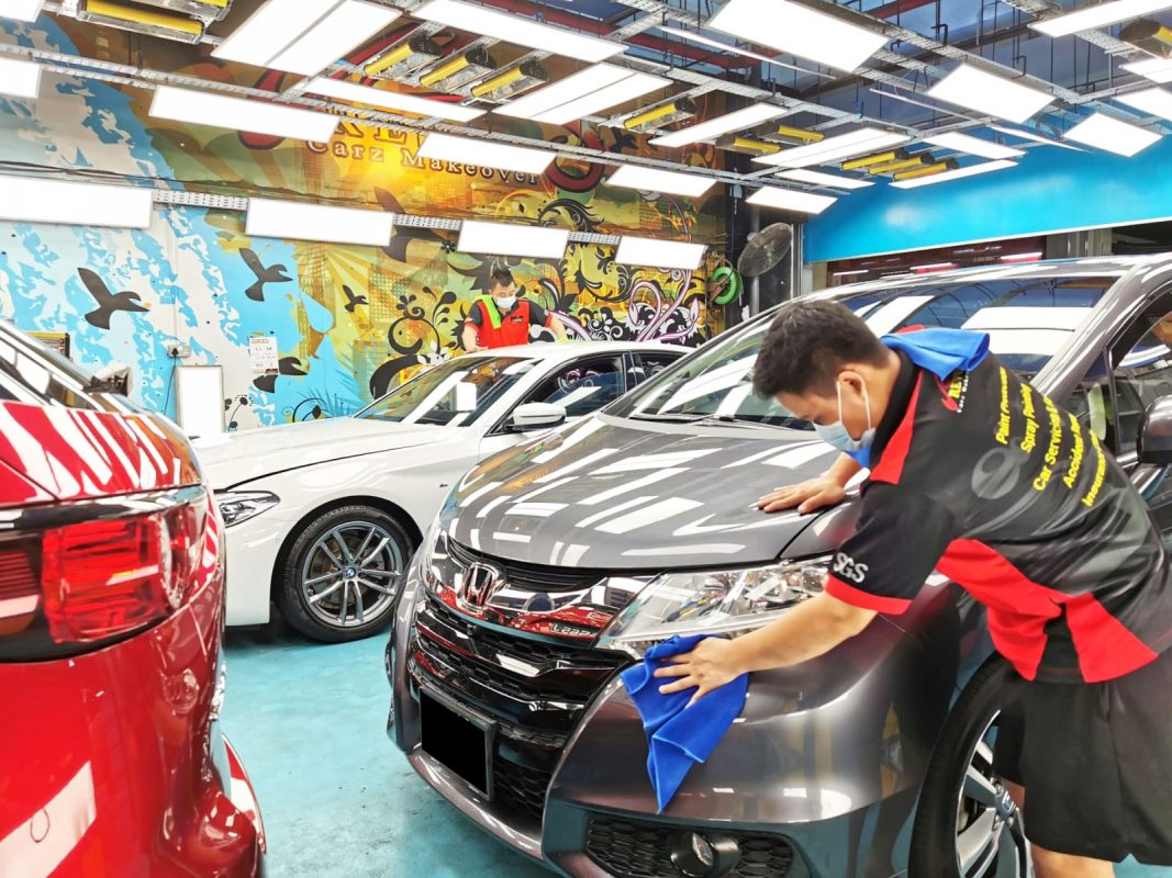 Cars Sing with its Extra Gloss after a Paint Protection