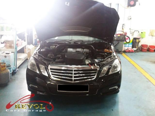 Mercedes in Workshop