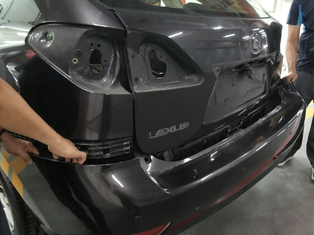 A follow up on Lexus RX350 for full spray painting - Day 2